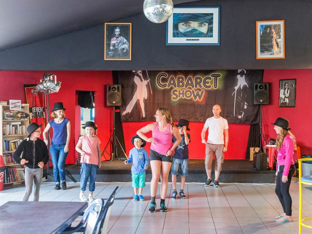 animations danses camping