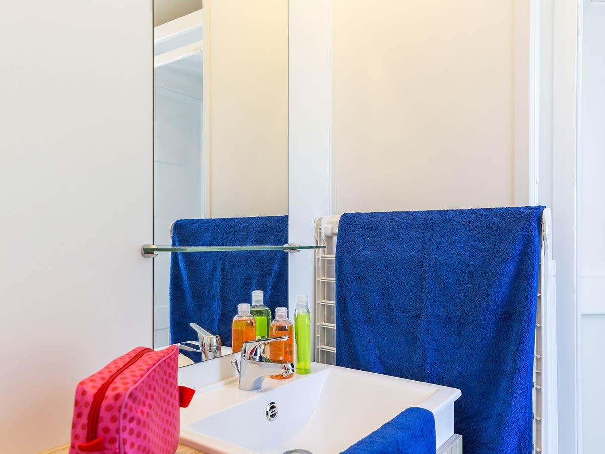salle d'eau location mobilhome vendée Alizé 6 personnes