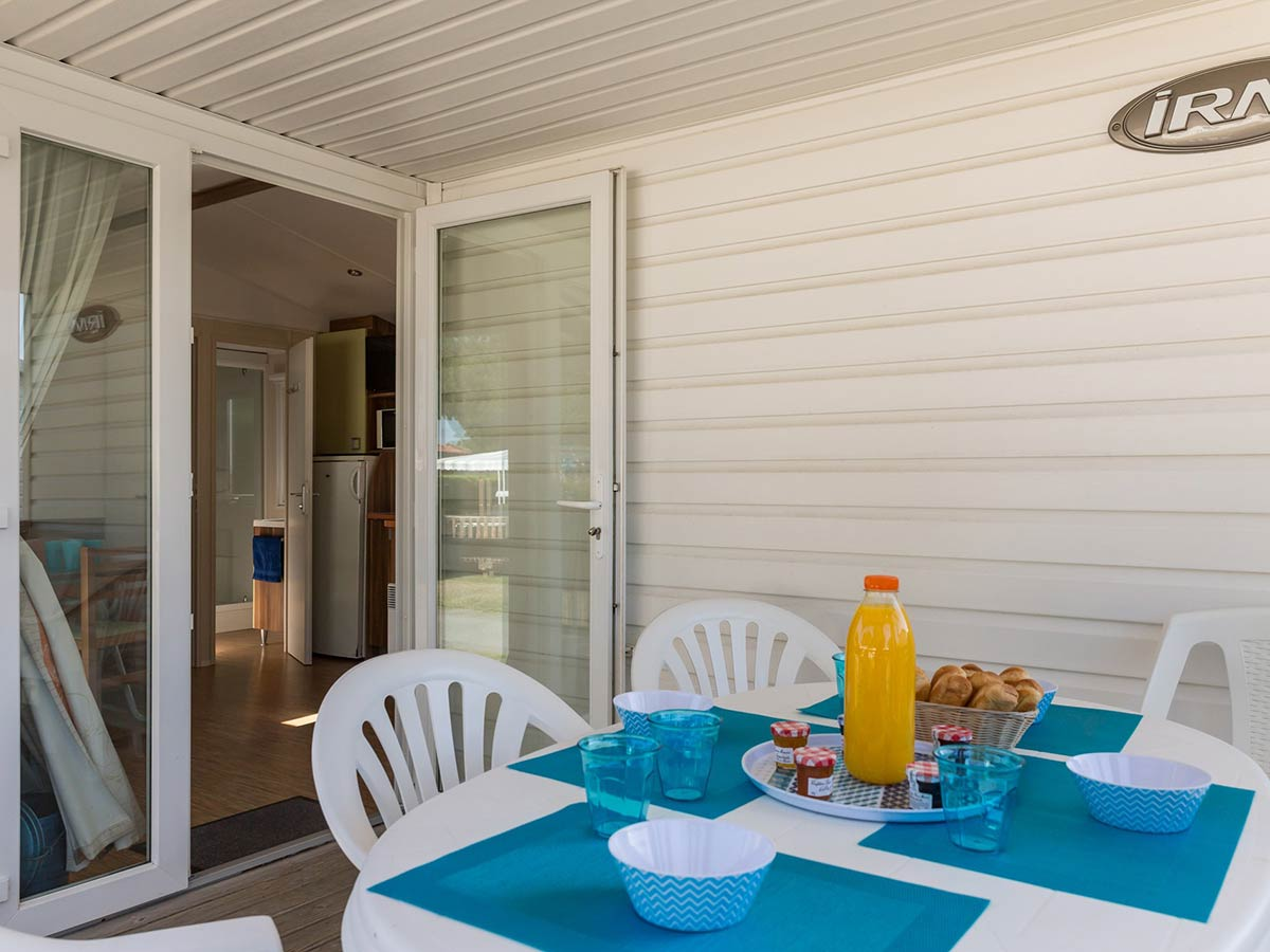 terrasse MOBILHOME CARAIBE 4-6 PERSONNES