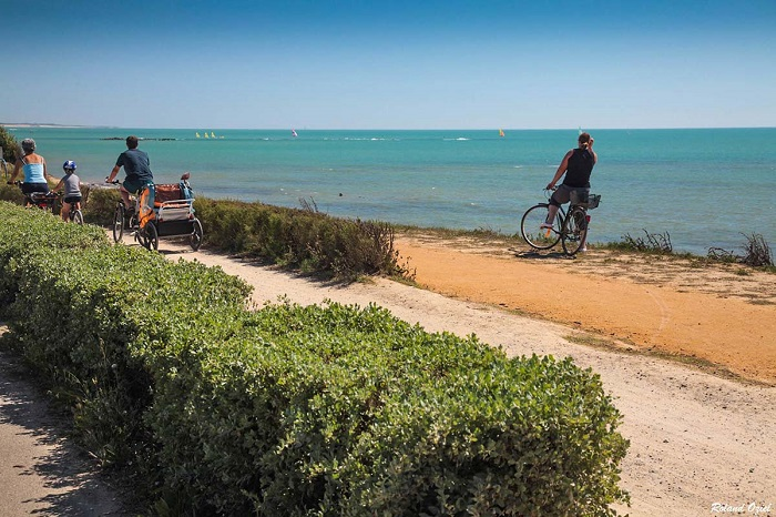 pistes vélo sur le bord de mer