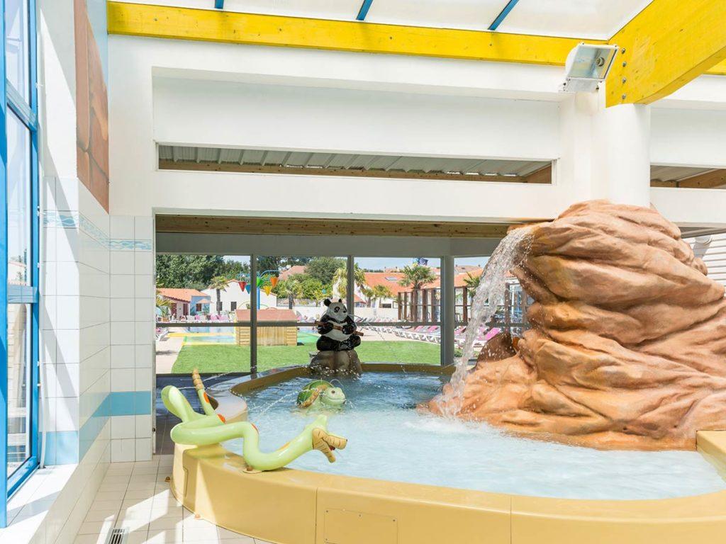 piscine couverte du plus beau camping de Vendée