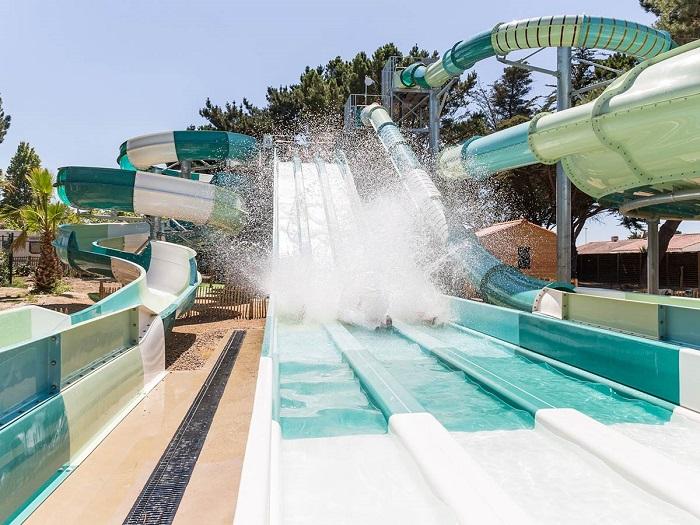toboggans du parc aquatique