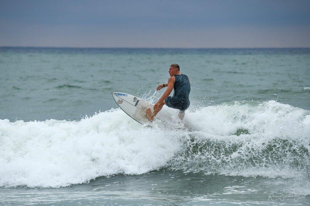 surf sur les plages de Vendée