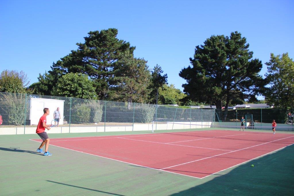 camping en Vendée avec terrain de tennis